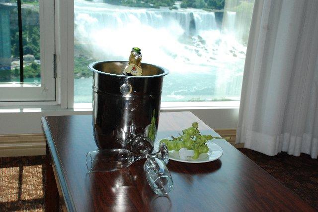 Vallend water boven toronto harm poelen 39 s blog - Kamer van water ...